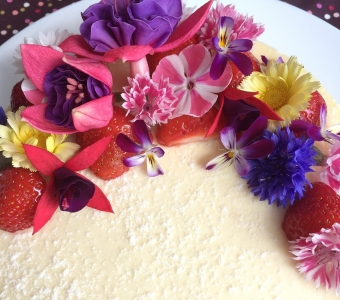 Edible flowers available in August