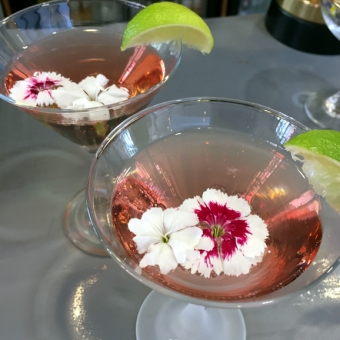Edible flowers for cocktails