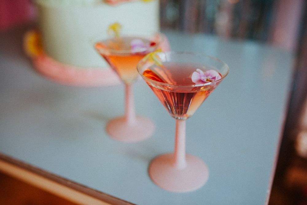 Edible flowers in wedding cocktails
